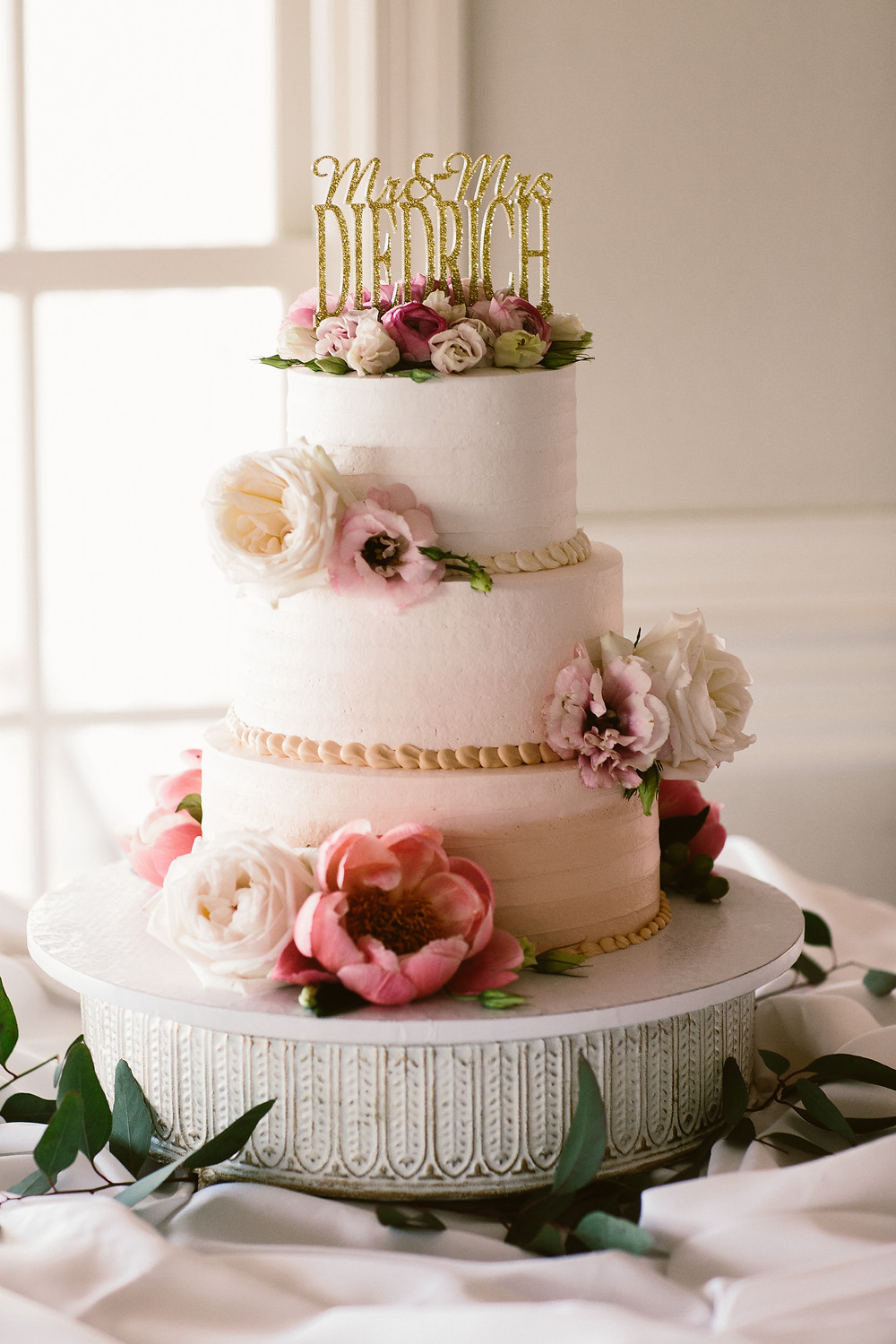 Denver Wedding Florist - flowers on cake