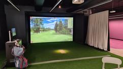 AMICUS Golf Simulator