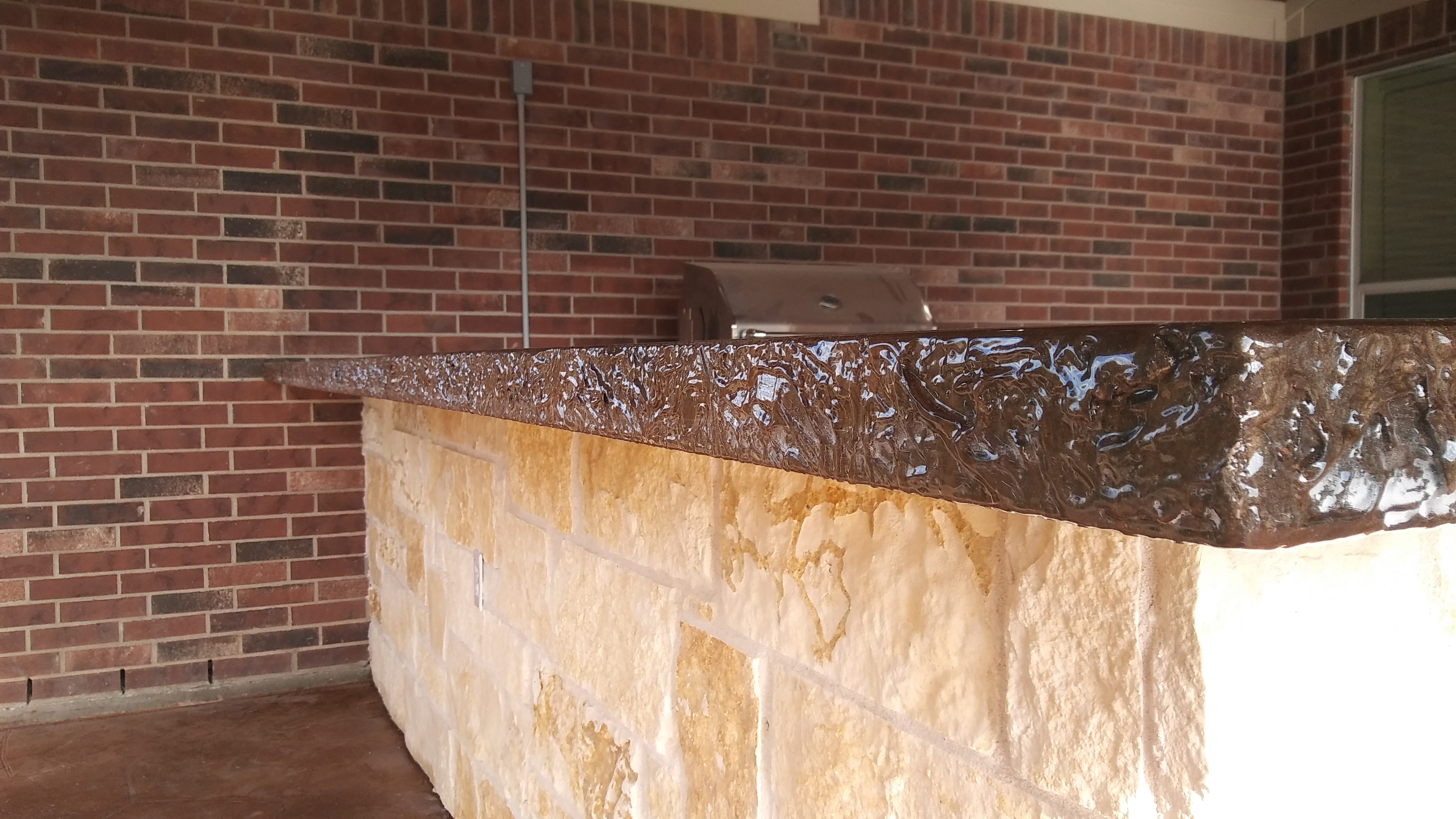 Rock Face Edge Countertops - Houston