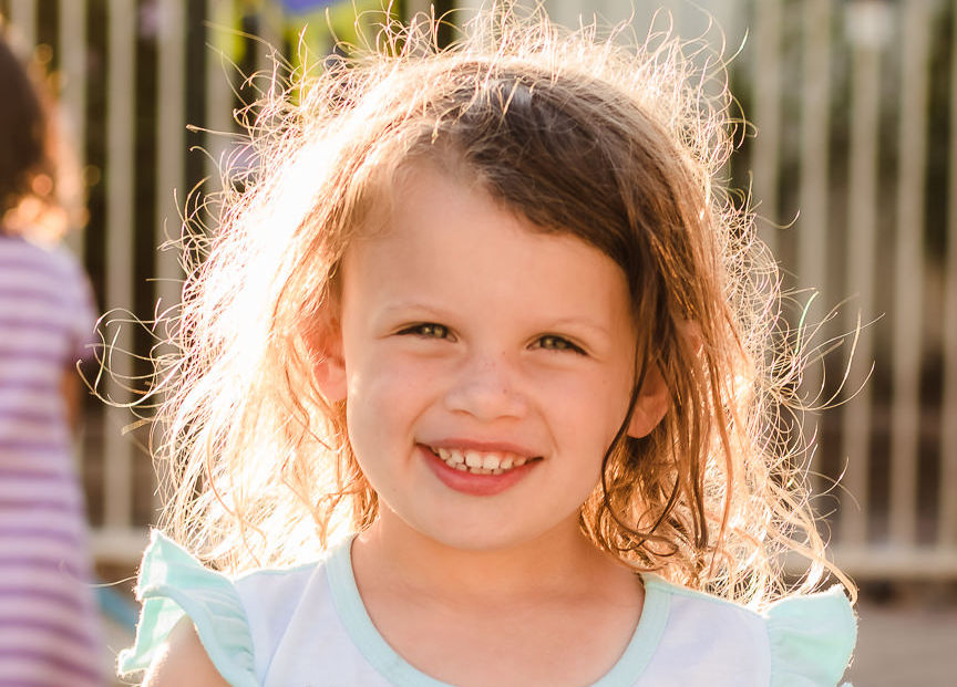perth-family-photographer-child-girl-smiling