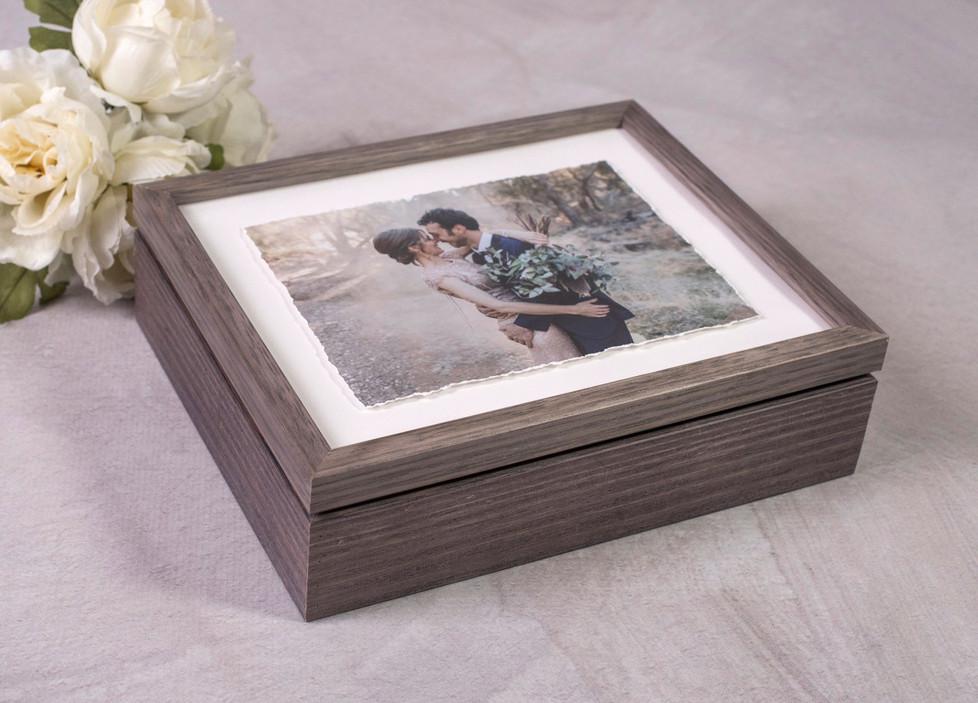 Gonzalo Novoa Photography - Grey Timber Folio Box