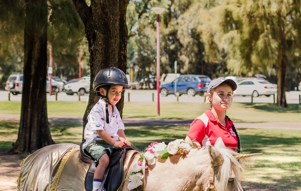 perth-family-photographer-child-boy-horse-riding