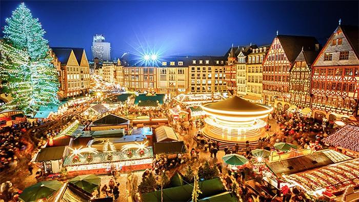 photo: https://berlin.capribyfraser.com/en/attractions/berlin-in-december.html