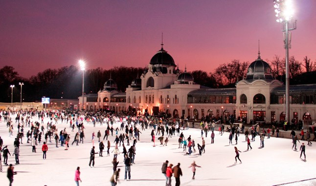 photo: https://silver-line.hu/10-things-you-have-to-visit-at-christmas-in-budapest/
