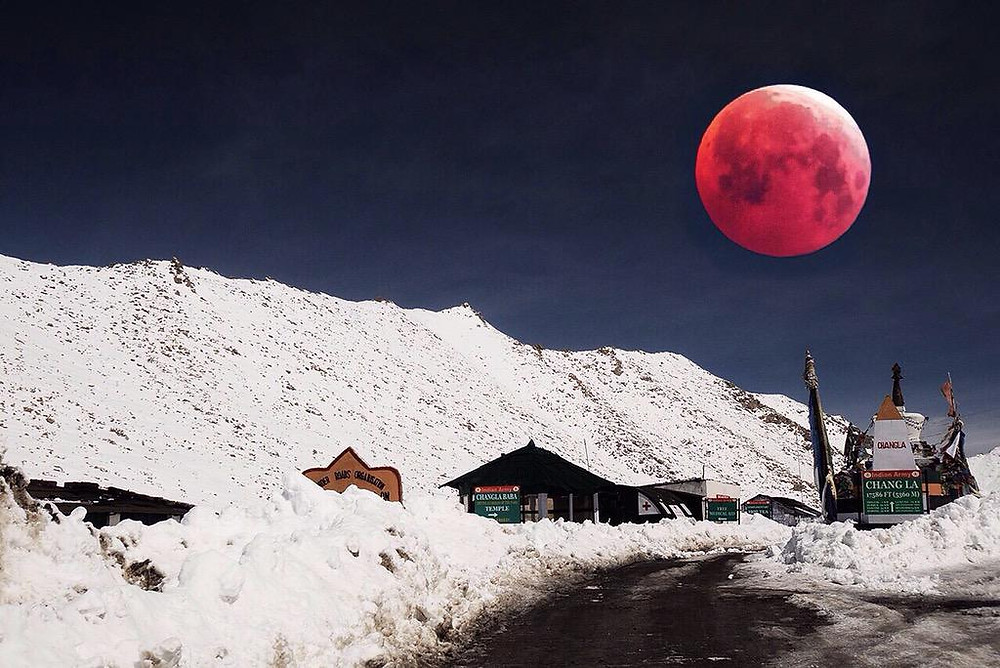 Blood moon in Leh.