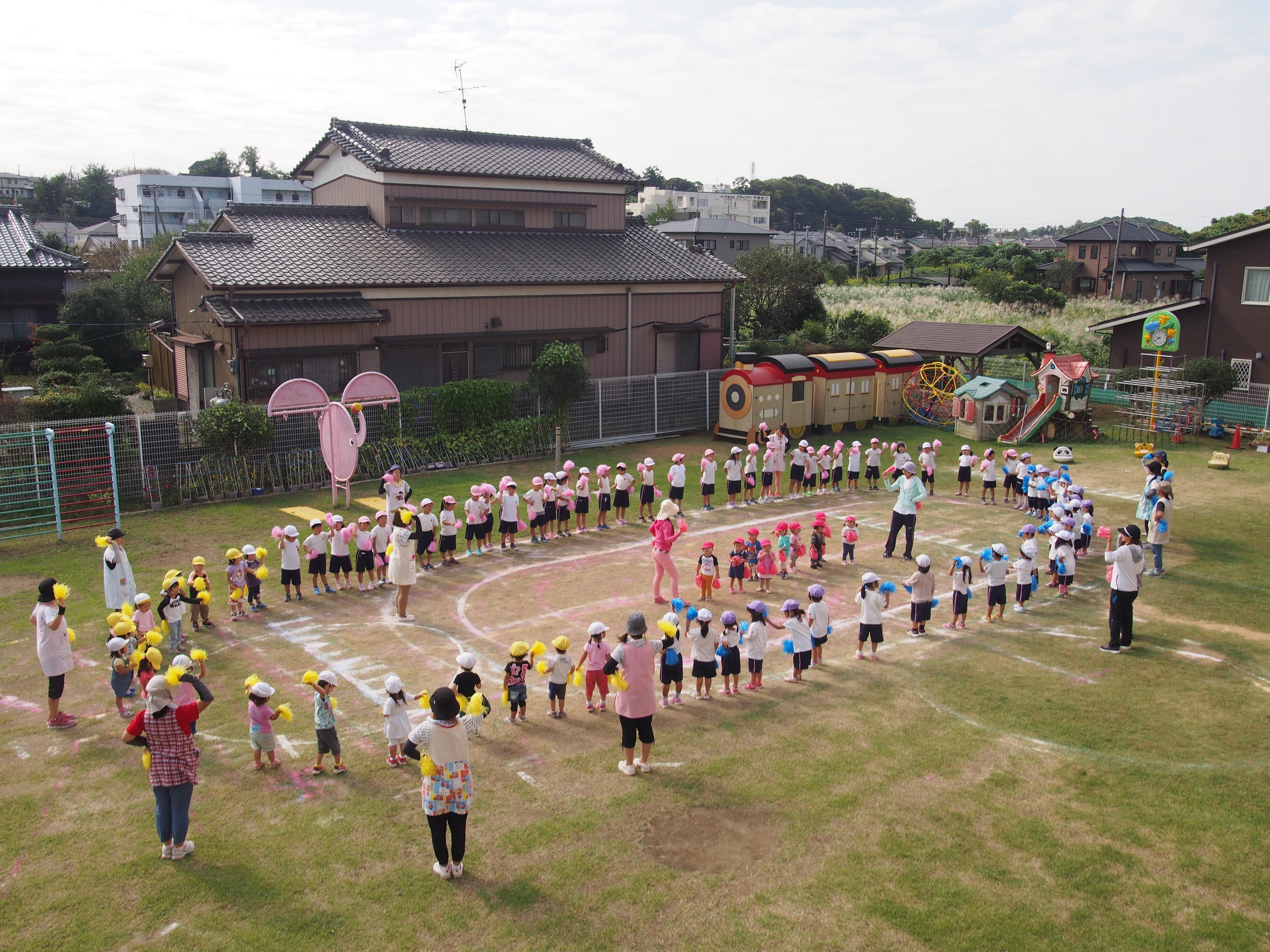 9:00 朝の体操・遊戯