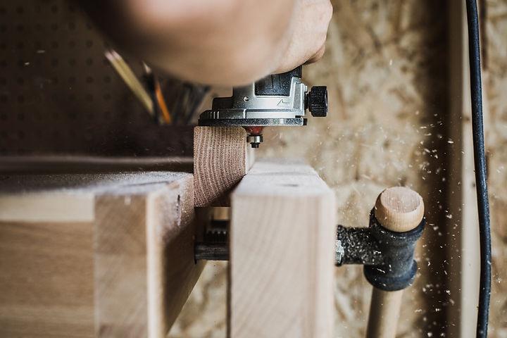 wood-in-wooden-clamp.jpg