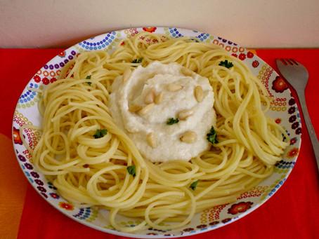 Spaghetti sauce crémeuse aux artichauts et ricotta (ou un bon plat de pâtes facile et rapide)
