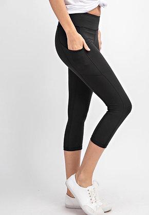 Super Soft Yoga Capris Black