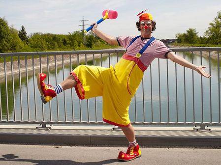 Clown Toni Toss 1.jpg