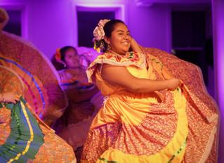 Viva la Mujer gets Union City moving! (Photos; Artículo Bilingüe)