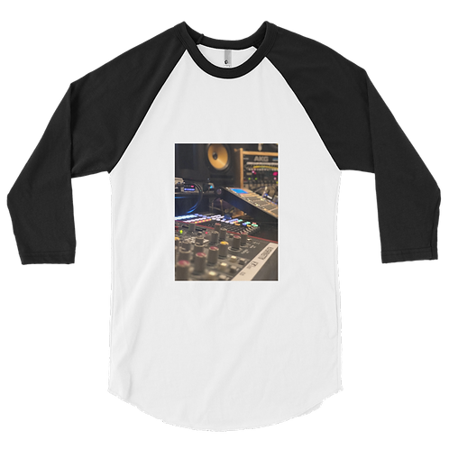 3/4 Sleeve Studio Raglan Shirt