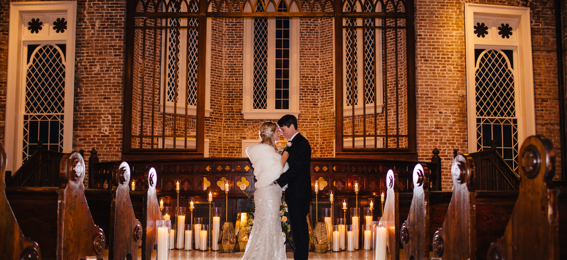 Ceremony Setting with Geometric Lanters and Pillar Candles