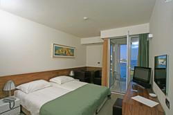 Hotel Vrilo, Postira 13