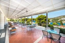 uvala-hotel-restaurant-terrace-dinning