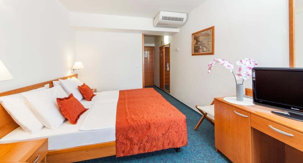 Hotel Berulia Brela 7.jpg