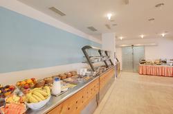 uvala-hotel-restaurant-buffet-breakfast.