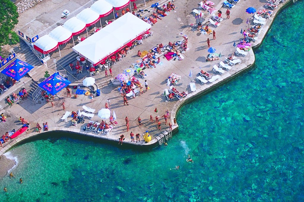 adriatic-hotel-beach-bar-sea