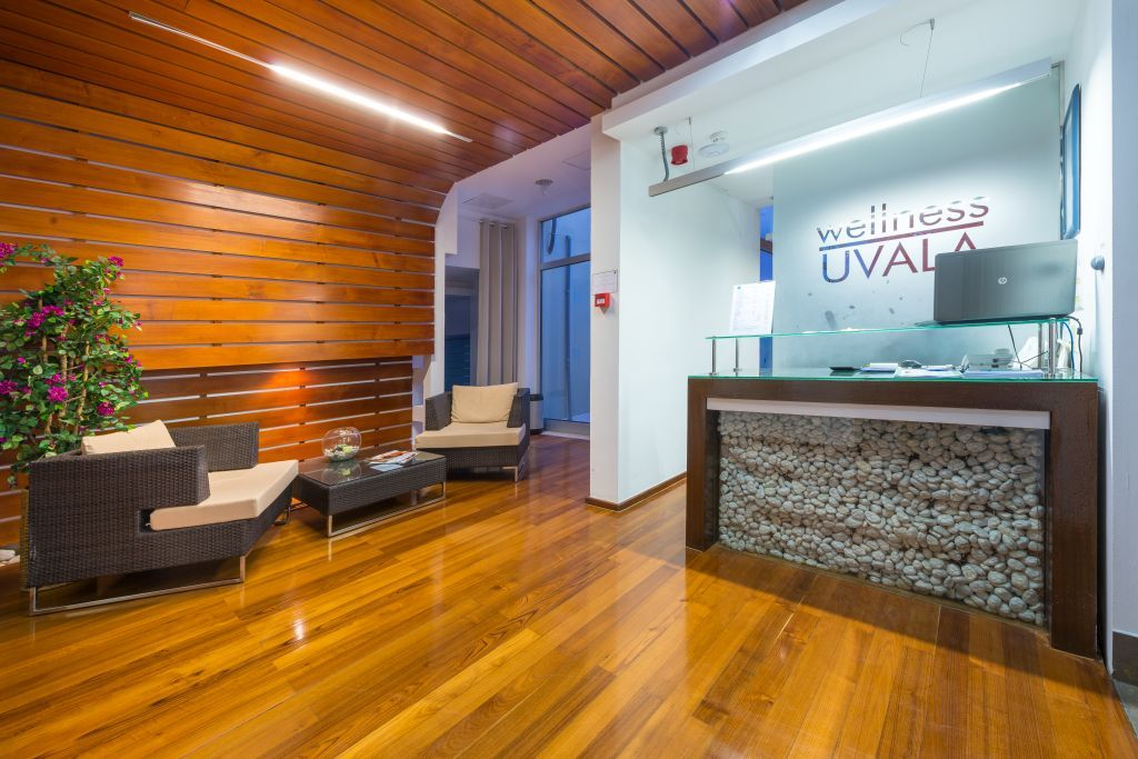 uvala-hotel-wellness-spa-frontdesk