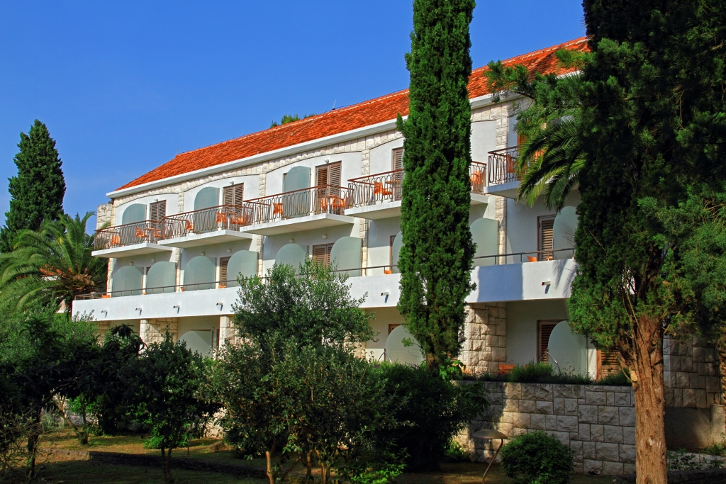 ACCOMMODATION IN CROATIA - Tourist settlement Velaris Supetar island of Brac (2)