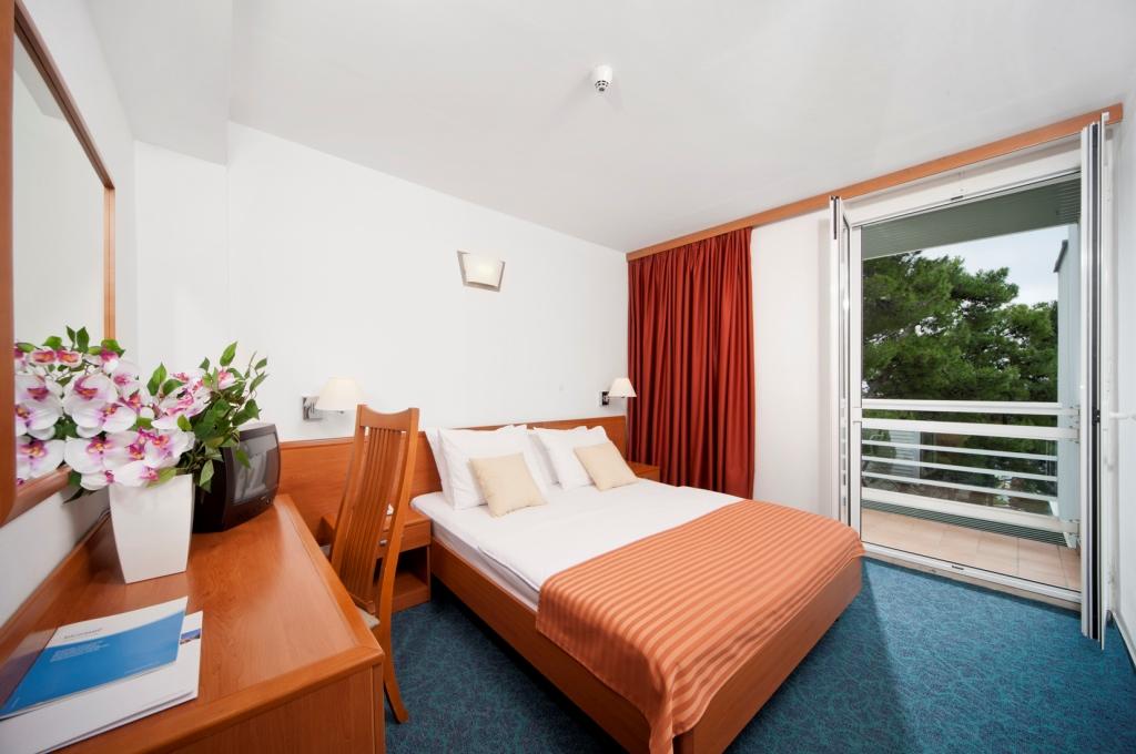 Hotel Berulia Brela 16.jpg