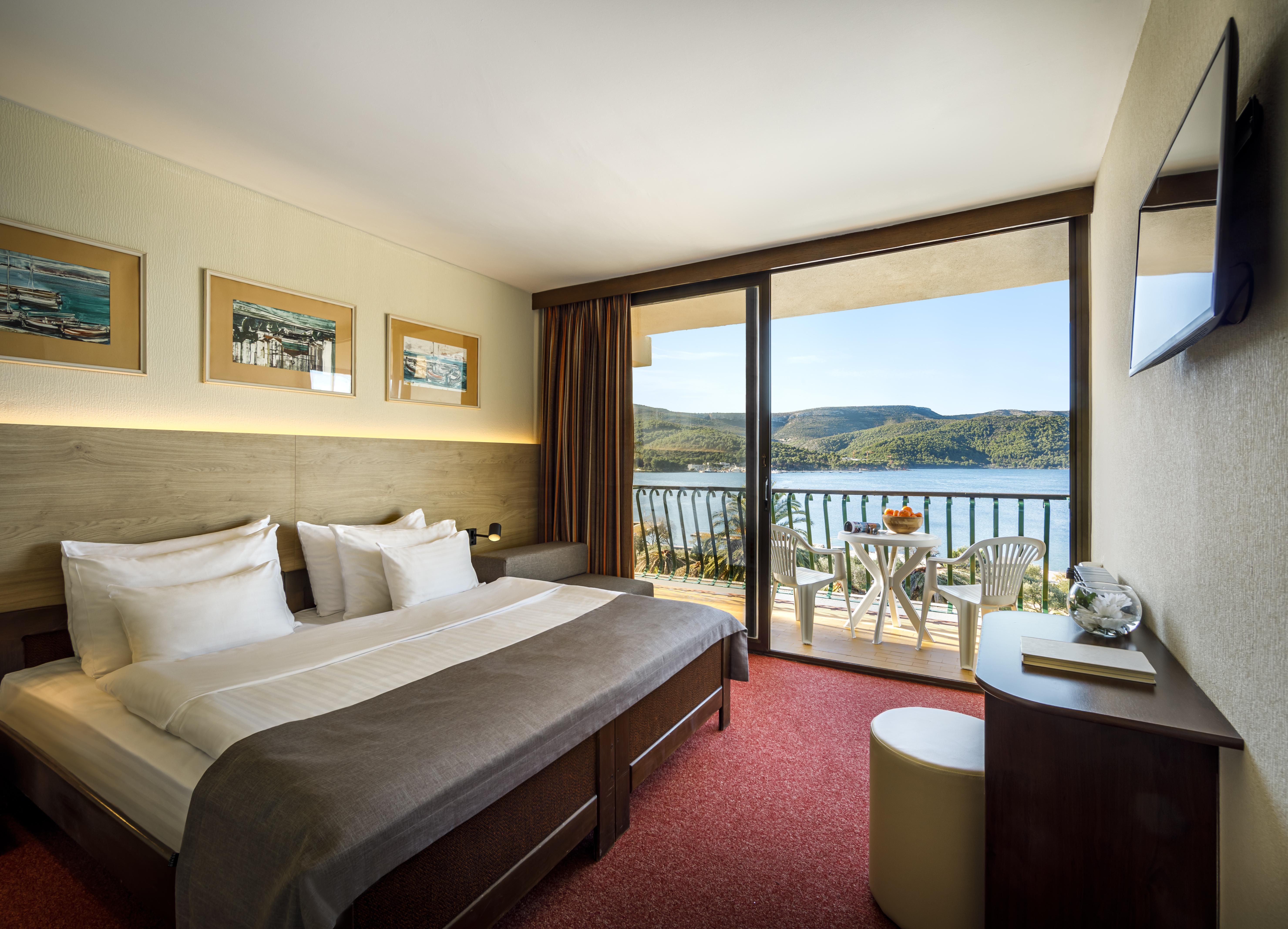 Arkada Sunny Hotel_Economy room with bal