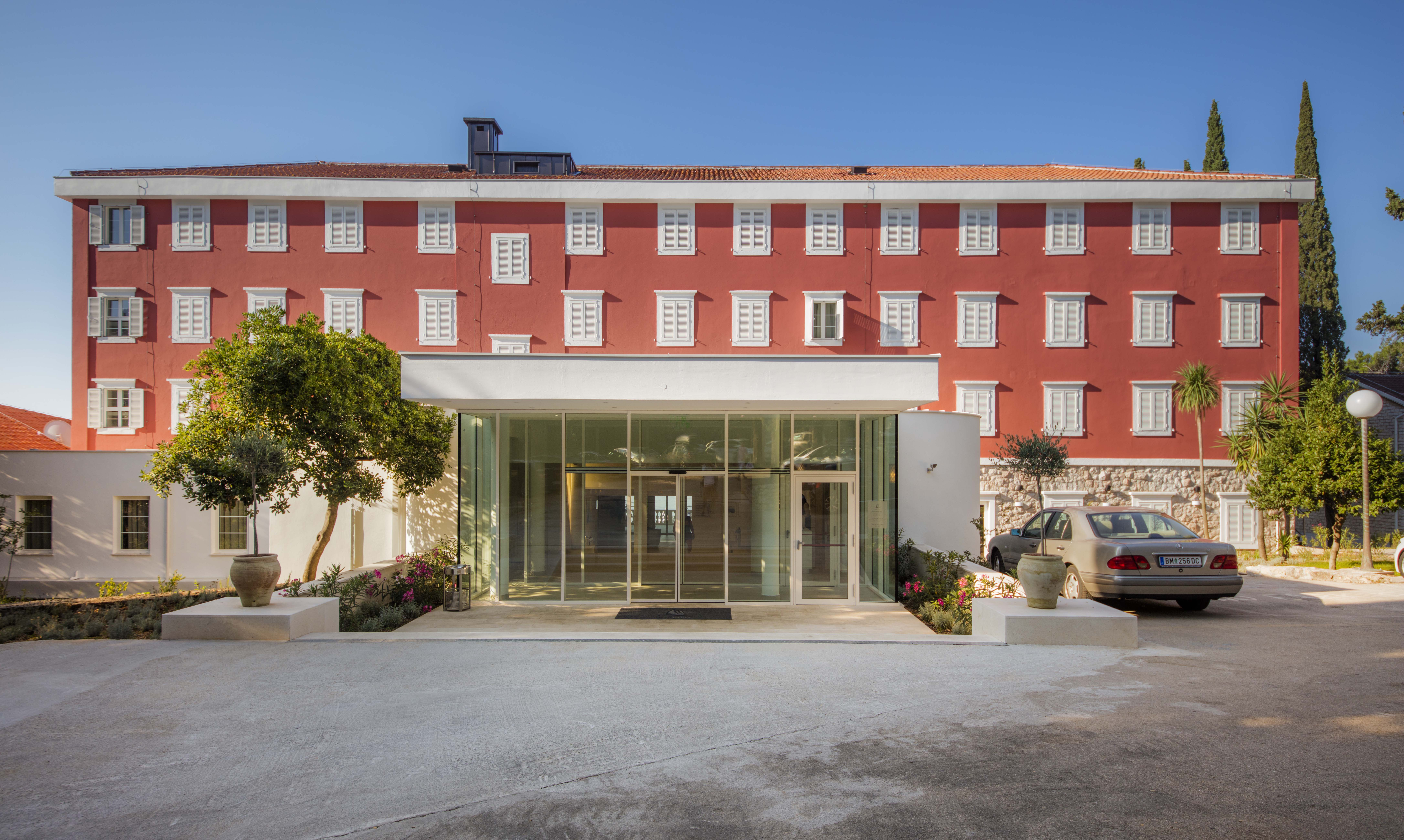 Hotel_and_dependance_Bellevue,_Orebić_5
