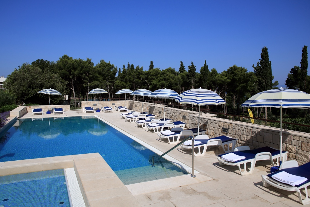 ACCOMMODATION IN CROATIA - Tourist settlement Velaris Supetar island of Brac (4)