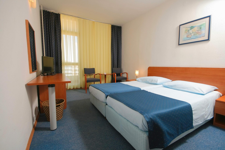 Hotel Medena 8