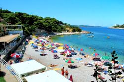 vis-beach-bar-lido-pebble-sea-sunlungers