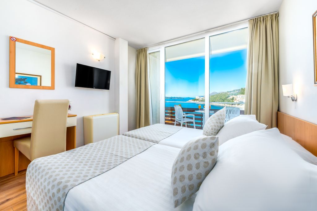 adriatic-hotel-dubrovnik-double-room-sea