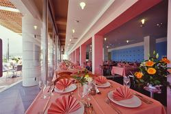 uvala-hotel-restaurant-setup-table