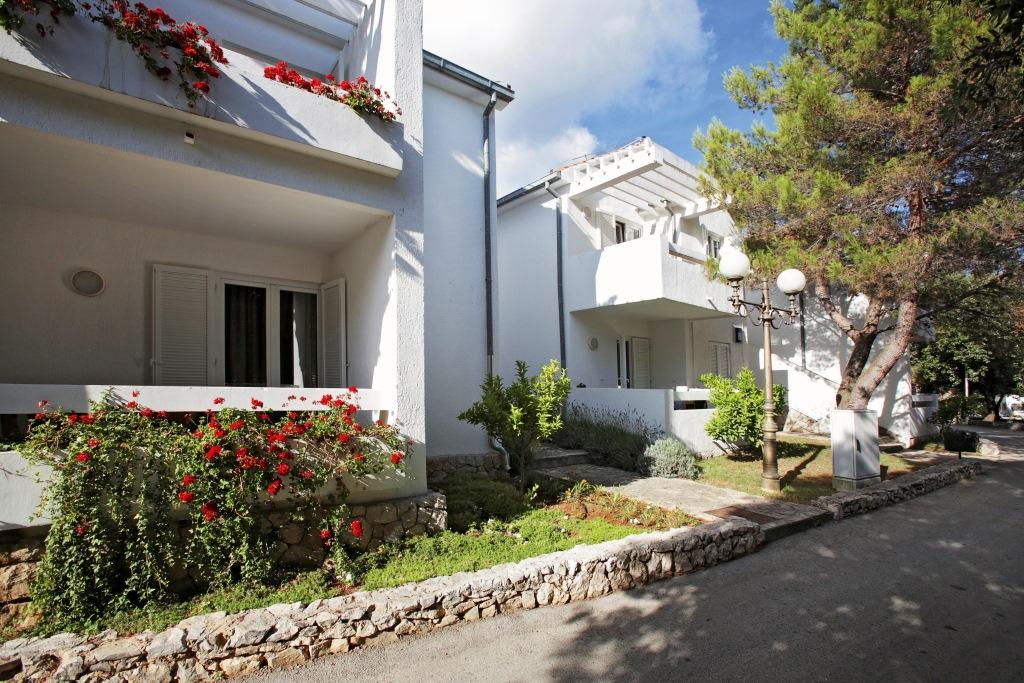 Accommodation in Croatia_Solaris Beach Resort Villas Kornati (3).jpg