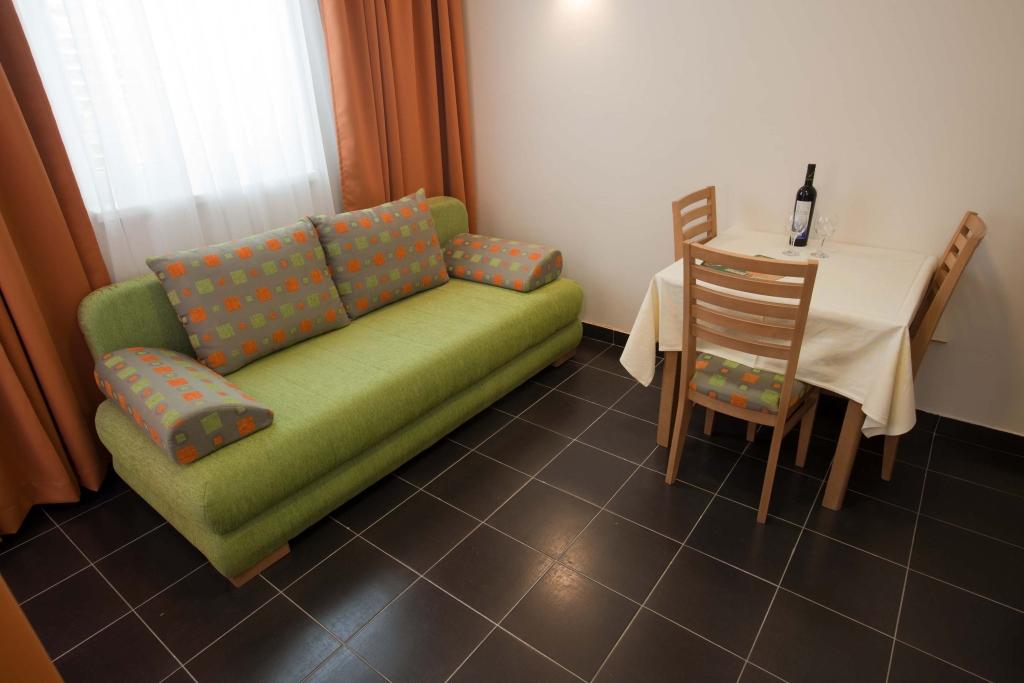 Apartmani Zelena Punta - Kukljica 3.jpg