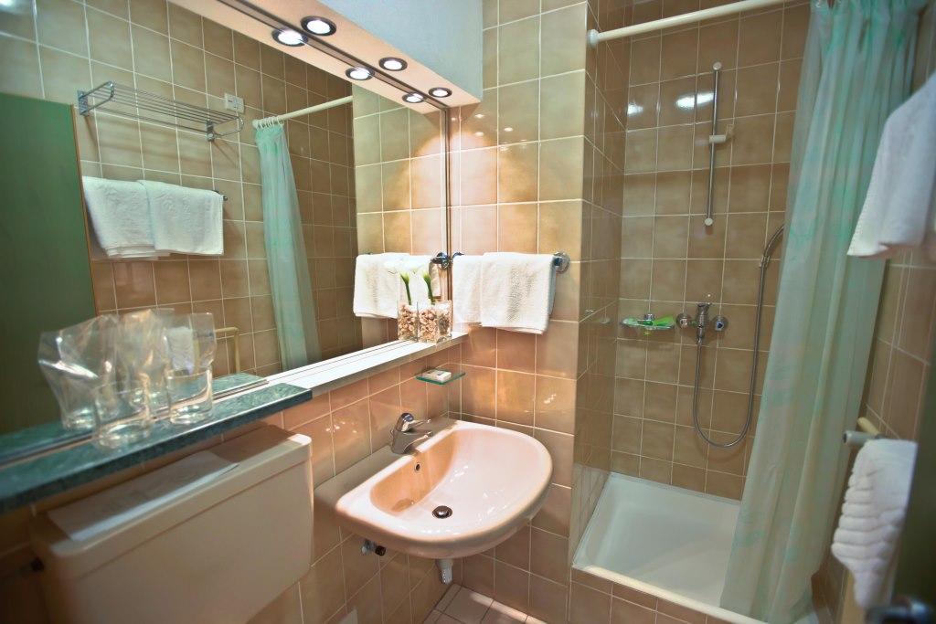 Accommodation in Croatia - Hotel Dalmacija Makarska (17).jpg