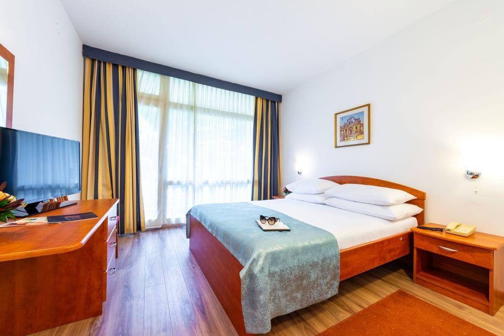 vis-hotel-dubrovnik-double-room-parkside