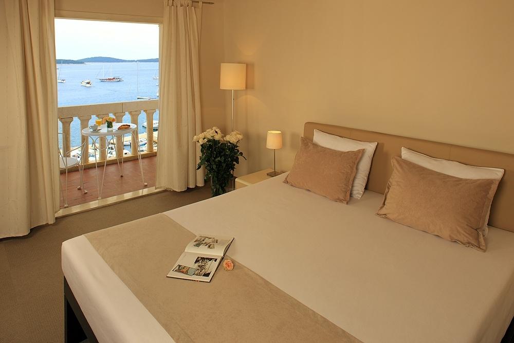 Palace Hvar Historical Terrace Hotel 9