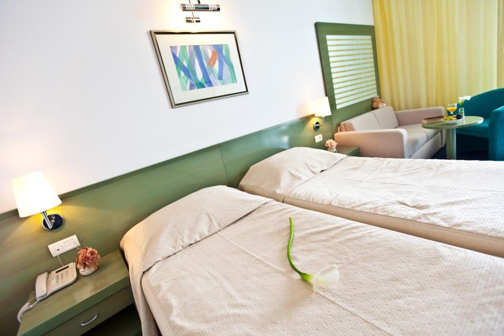 Accommodation in Croatia - Hotel Dalmacija Makarska (11).jpg