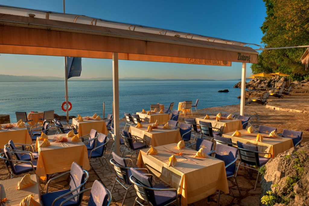 Accommodation in Croatia - Grand hotel Adriatic - Opatija (2).jpg