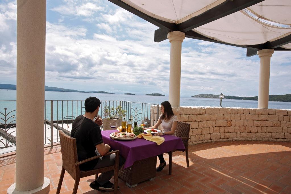Accommodation in Croatia_Solaris Beach Resort Villas Kornati (18).jpg