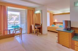 uvala-hotel-superior-room-seaview-balcon