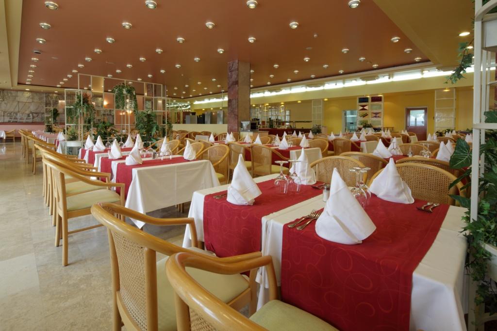 Accommodation in Croatia - Hotel Dalmacija Makarska (24).JPG