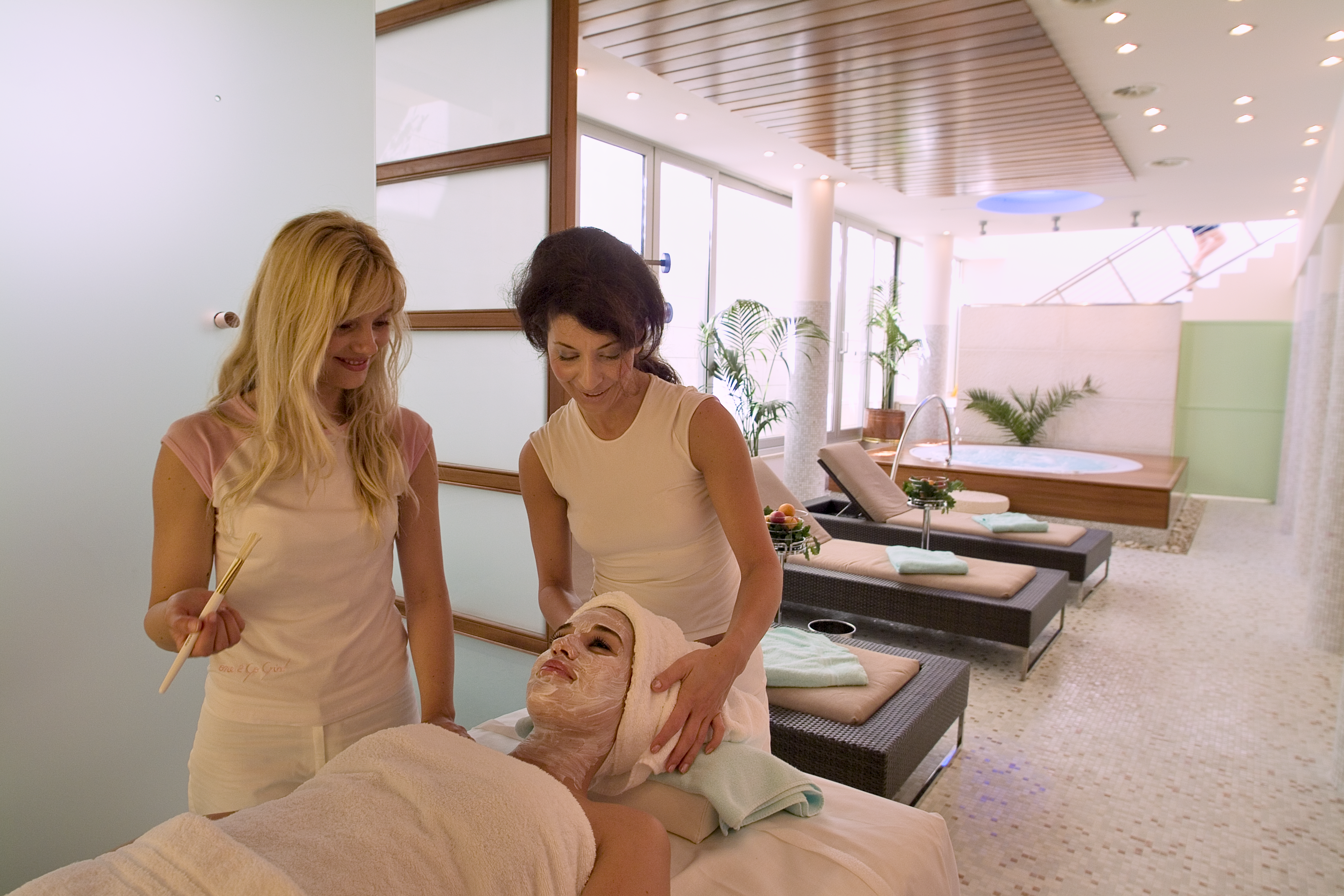 uvala-hotel-wellness-spa-massage-facial.