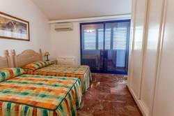 1st floor bedroom with en suite