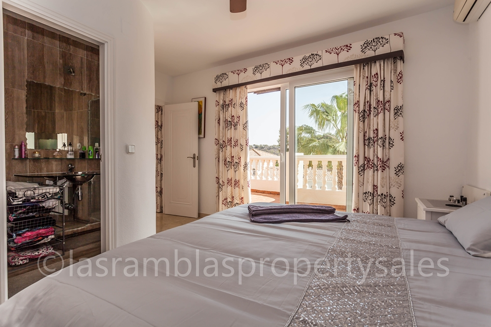 villa properties for sale Las Ramblas Golf508-19
