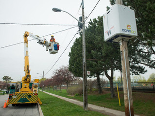 Toronto Hydro, Ryerson launch pilot project to store energy in pole-mounted compact box