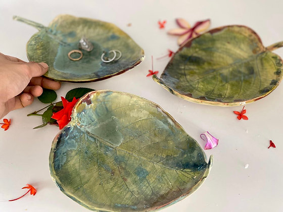 Set of 3 leaf platters