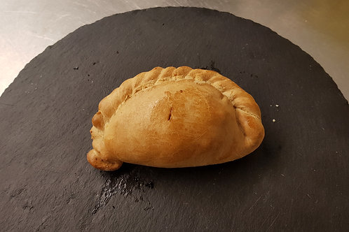 Box of 20 Cocktail Cheese, Onion & Leek Pasties