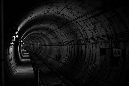 tunnel-690513.jpg