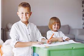 Kinder lernen malen online